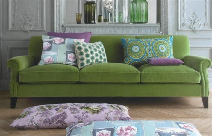 Divani velluto classici idee per il design della casa - Divani colorati ...